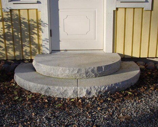 trappa i krysshamrad granit