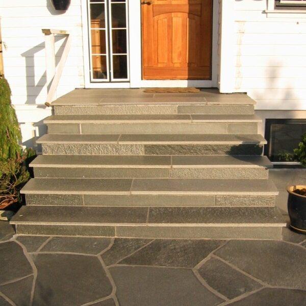 trappa i norskt skiffer från Li