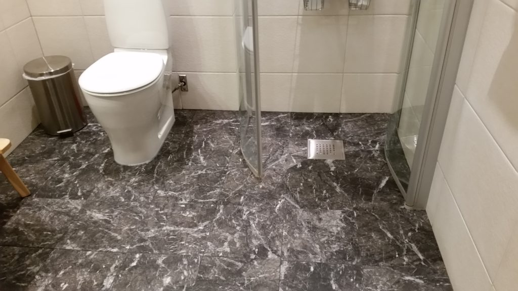 Marmor Grigio Carnico Badrumsgolv